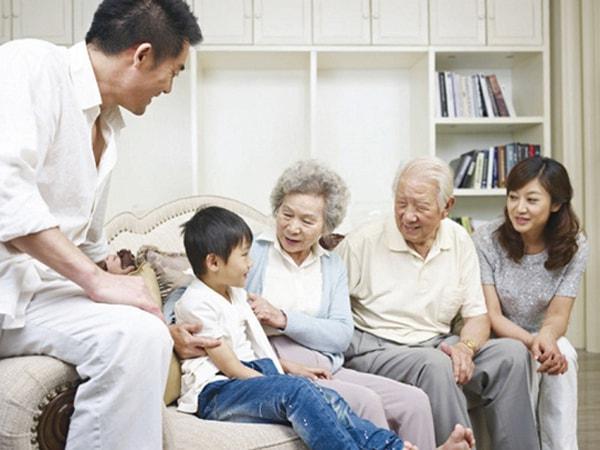 bi-quyet-tranh-cho-nguoi-gia-khong-mac-phai-can-benh-tram-cam-2