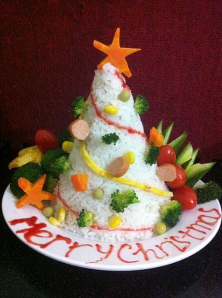 Cách làm cây thông Noel bằng cơm đơn giản đón Giáng sinh 1