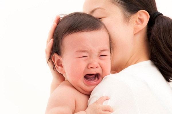 Nguyên nhân, dấu hiệu và cách điều trị bệnh động kinh ở trẻ sơ sinh 1