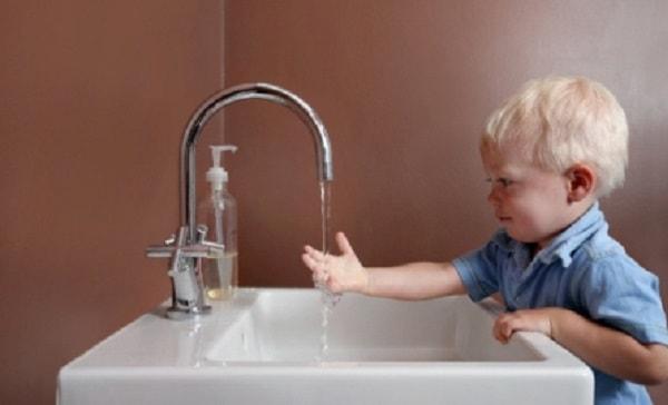 Lưu ý quan trọng khi chăm sóc trẻ bị tiêu chảy tại nhà 3