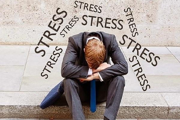 Stress, áp lực công việc có thể làm gia tăng tỉ lệ trầm cảm 2