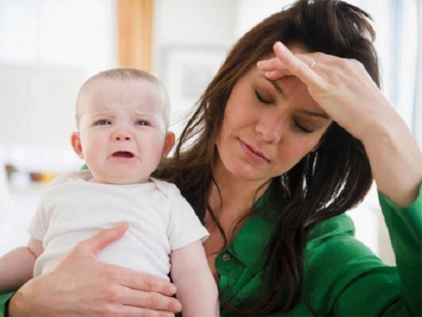 Vì sao phụ nữ sau sinh thường mắc bệnh sa sút trí tuệ? 1