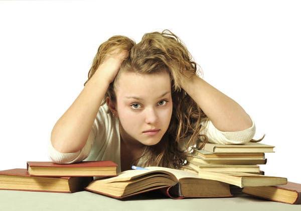 Căng thẳng mùa thi có thể gây ra nhiều căn bệnh tâm lý 1