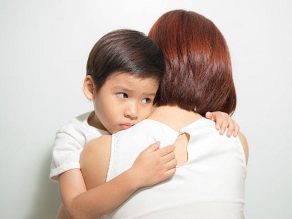 Tâm sự với trẻ sẽ giúp bố mẹ hiểu con hơn