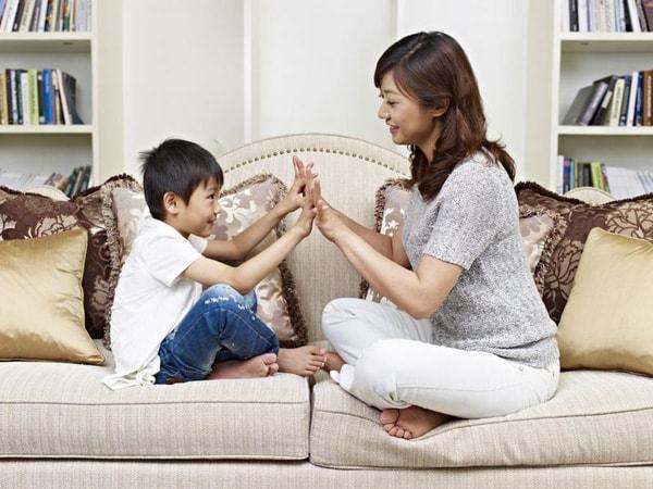 Bí quyết giúp khơi dậy trí thông minh cảm xúc của trẻ mầm non