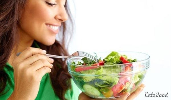 Nên ăn nhiều rau để phòng tránh táo bón