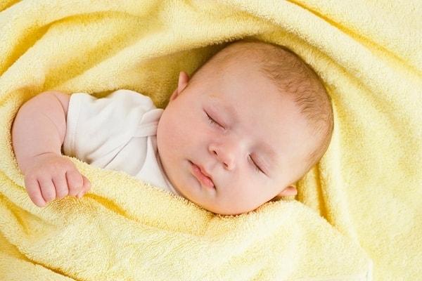 Những cách khắc phục trẻ sơ sinh bị giật mình sẽ giúp bạn