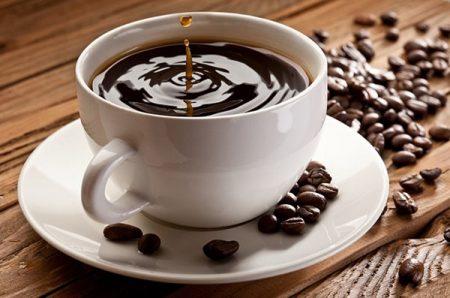 Dùng nhiều trà, cafe là một nguyên nhân gây táo bón