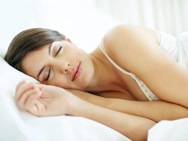 Nghén ngủ giúp mẹ bầu nghỉ ngơi tốt, tuy nhiên ngủ nhiều quá sẽ dẫn đến những hậu quả nghiêm trọng