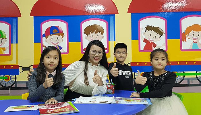 Ưu điểm của cho con học tiếng Anh tại trung tâm