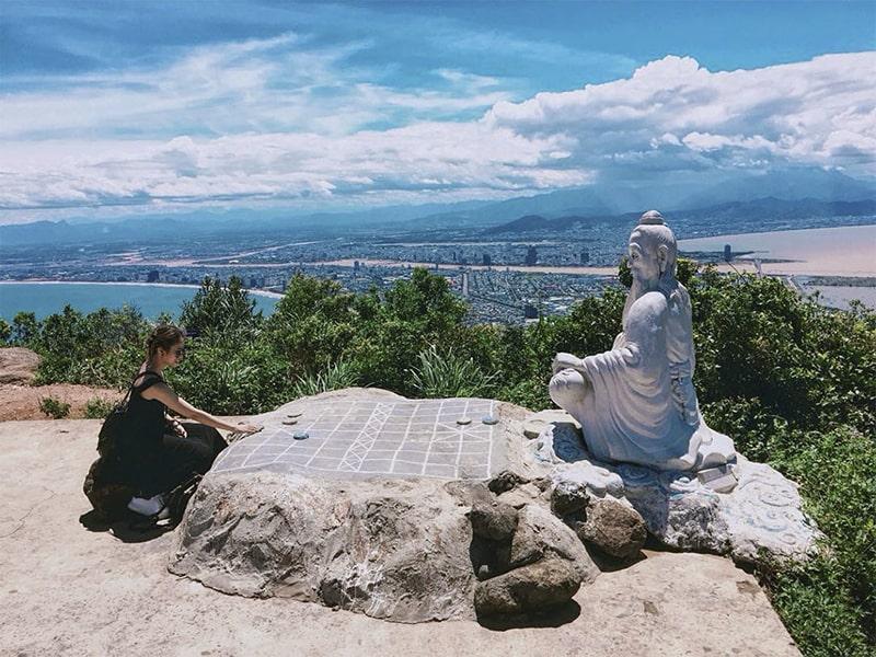 Khung cảnh của bán đảo Sơn Trà thu hút du khách