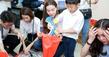 Hồ Ngọc Hà cùng con trai Subeo tham gia các hoạt động ngoại khóa
