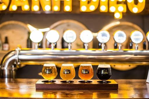 Cách uống bia thủ công như thế nào là đúng