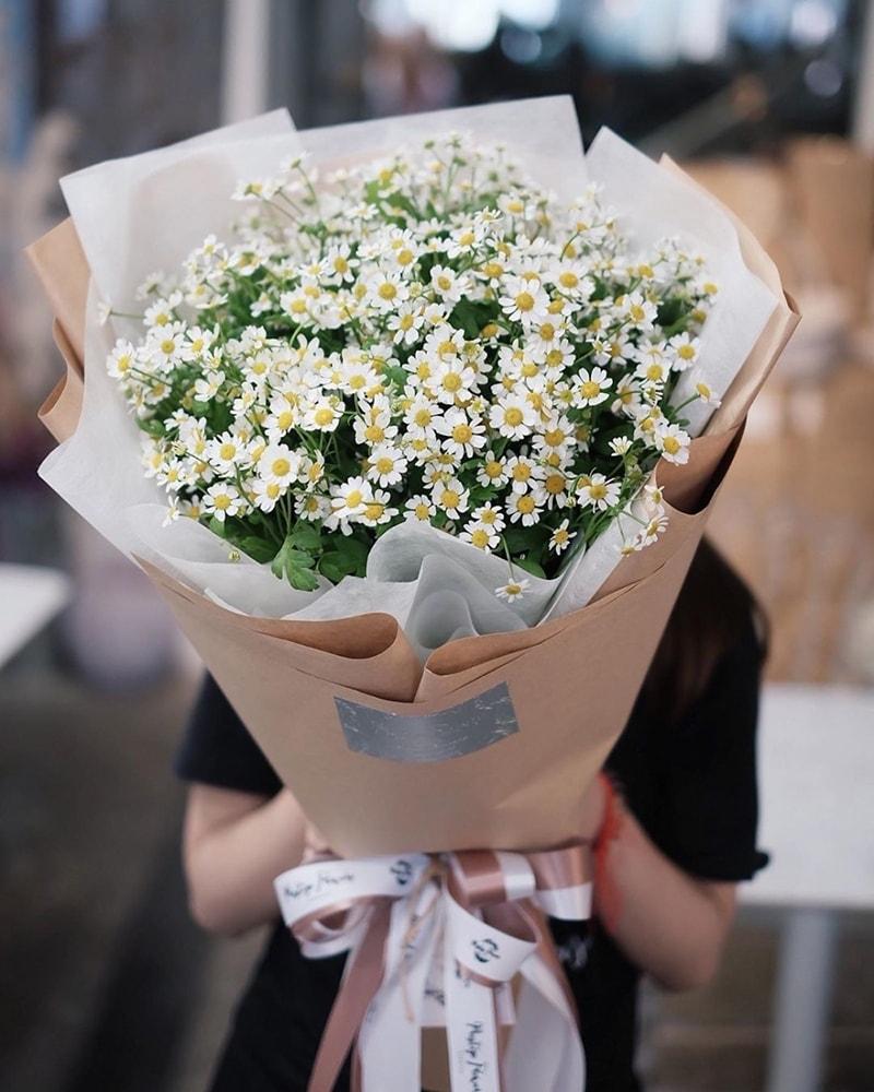 Tặng hoa cúc cho mẹ ngày sinh nhật