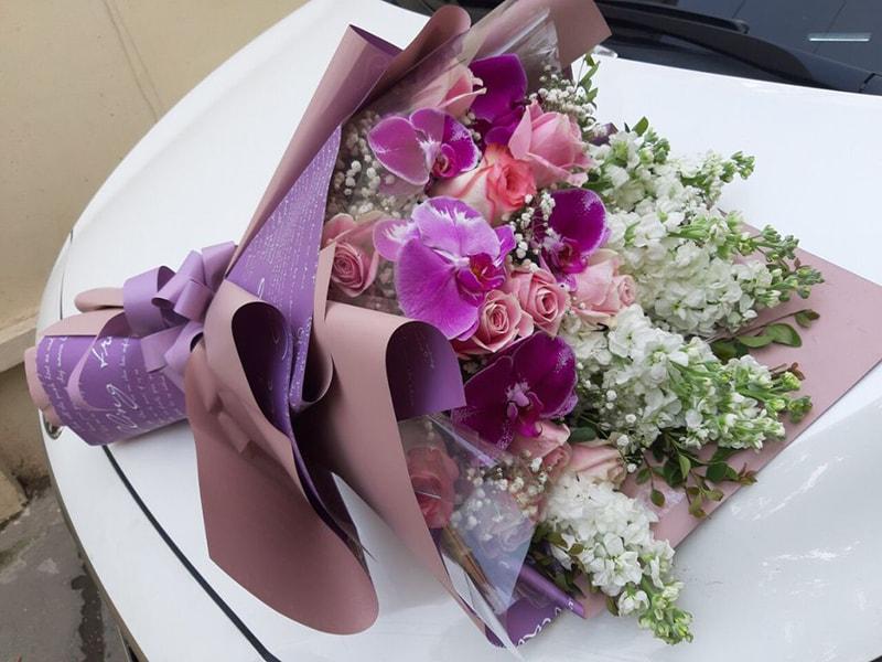 Tặng hoa lan hồ điệp cho mẹ ngày sinh nhật