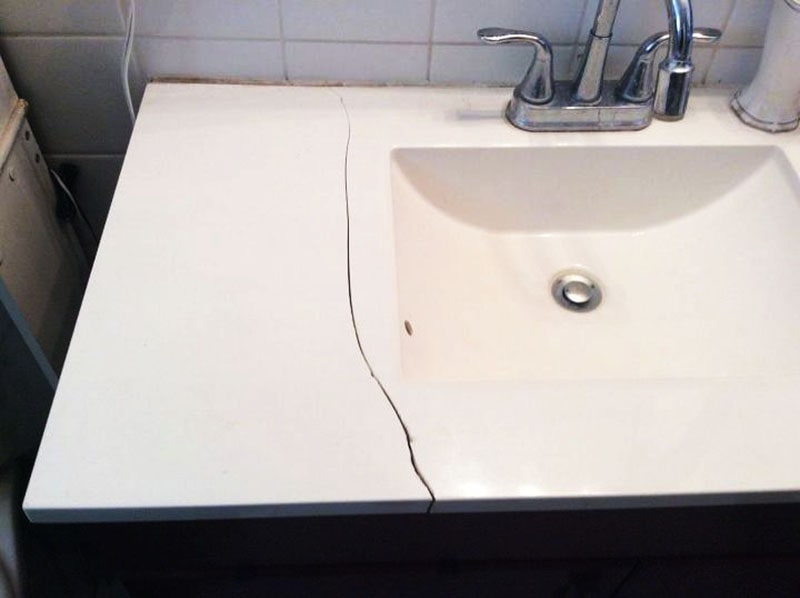 Bệ rửa mặt nứt sau 3 năm sử dụng