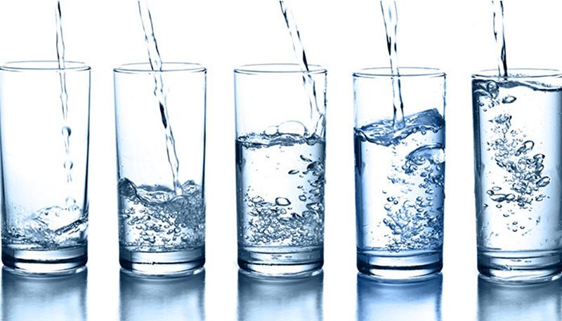 Nước là một thành phần không thể thiếu để có một sức khỏe tốt và một làn da đẹp